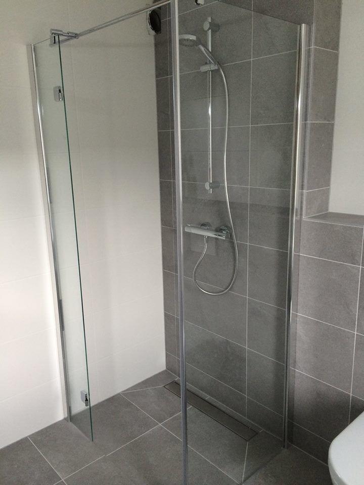 Badkamer Nigtevecht Douchehoek