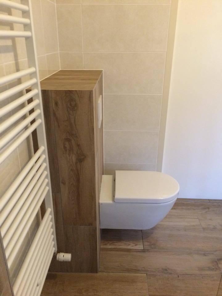 Badkamer Almere met hoekbad - Timmer- en montagebedrijf Klever