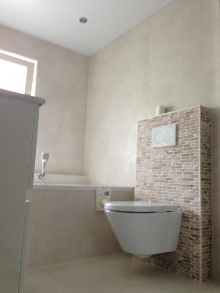Badkamer Amersfoort met raam en gevel gemaakt